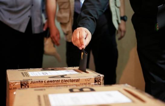 PLD y PRSC piden a JCE agilizar trabajos para montaje de elecciones en el exterior