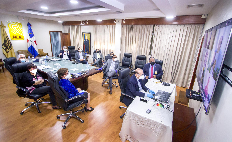 JCE se reúne con secretarios de OCLEEs para conocer avances de trabajos de elecciones 
