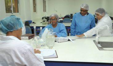 Falta de suministros retrasa entrega resultados de pruebas de COVID-19