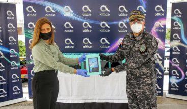 Altice promueve la seguridad ciudadanaal donar tabletas a la Policía Nacional