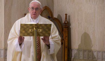 El papa pide que la UE afronte el coronavirus en armonía y colaboración