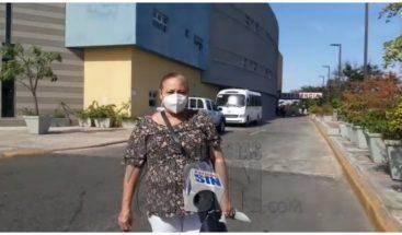 Familiares de pacientes con COVID-19 denuncian médicos no les ofrecen información