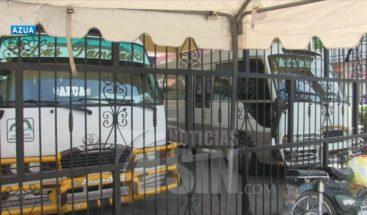 Azua: Conductores y propietarios de autobuses aseguran el gobierno los olvidó