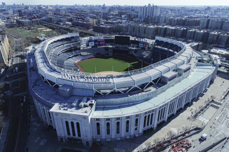 Gobernador de Nueva York abre instalaciones deportivas