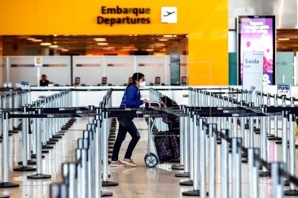 EEUU anticipa entrada en vigor de restricción para pasajeros desde Brasil