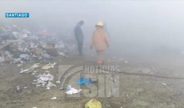 Desconocidos incendian vertedero de Baitoa en Santiago