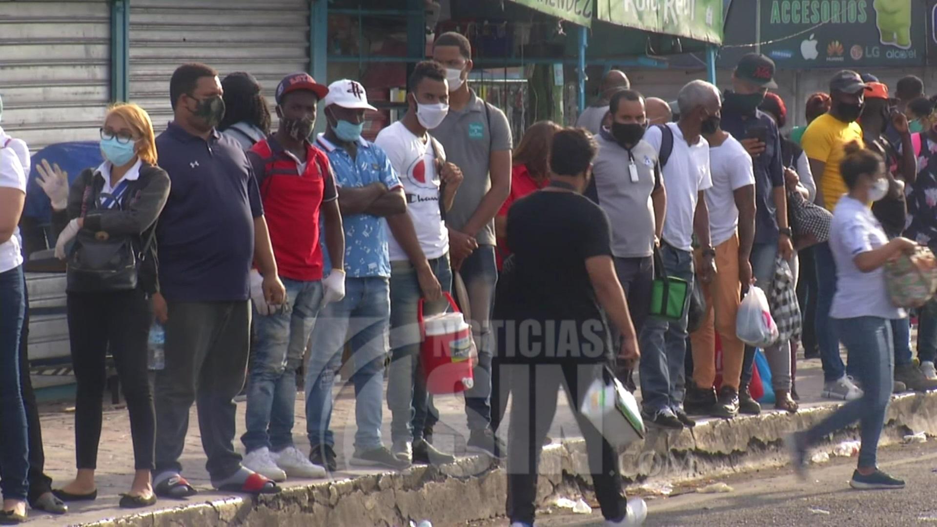 Se registran aglomeraciones en Azua, pese a medidas de distanciamiento