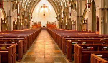 Multan iglesia australiana por ofrecer sanidad del COVID-19