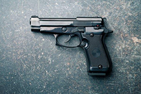 Garantía económica y presentación periódica contra acusado de tirotear vivienda
