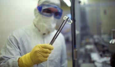 La primera vacuna contra COVID-19 probada en humanos da pasos positivos
