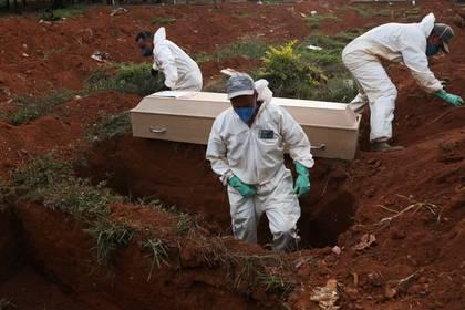 Brasil se acerca a los 350.000 casos y suma 22.013 muertes por la pandemia
