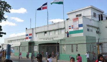 Autoridades dicen mantienen control de COVID-19 en cárceles del país