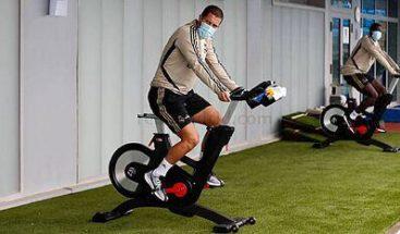 Real Madrid entrena con mascarilla en bicicletas estacionarias