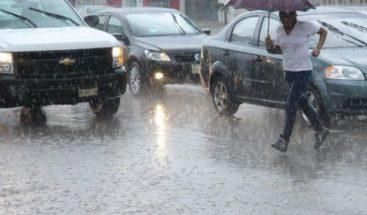 Onda tropical y vaguada provocarán aguaceros esta tarde, según Onamet