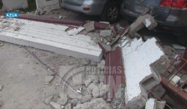 Mujer muere aplastada por una pared en Azua