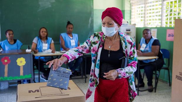 Puerto Rico autoriza realizar elecciones en su territorio el próximo 5 de julio