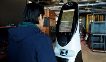 Un robot mexicano es herramienta útil en la batalla contra el coronavirus