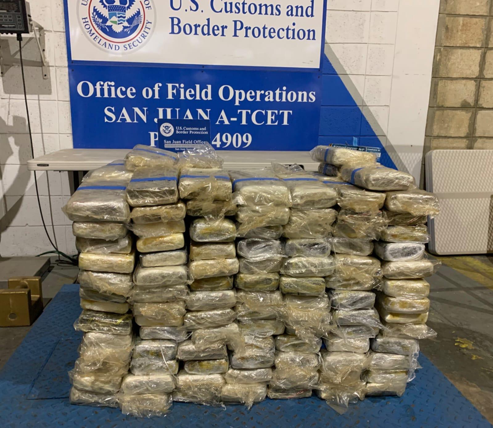 Incautan 223 kilos de cocaína dentro de un contenedor en el ferry