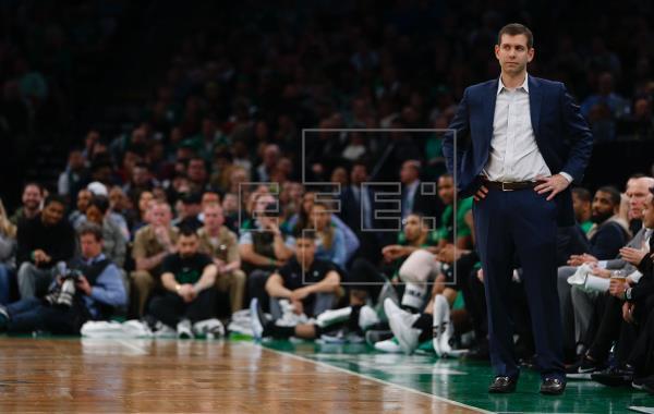 Brad Stevens, entrenador de Celtics, apoya activismo de sus jugadores