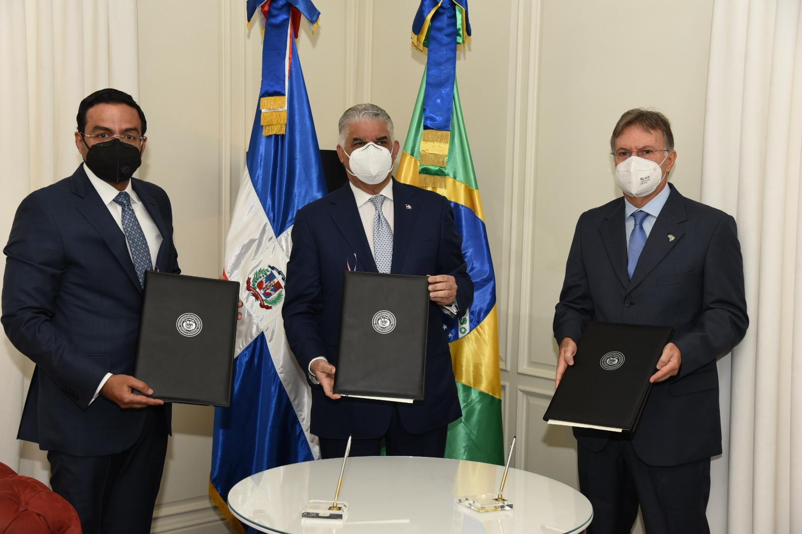 Cancillería suscribe protocolo para impulsar comercioe inversión con Brasil