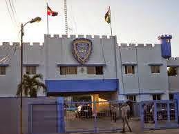 Arrestan 13 personas en Barahona por violar el toque de queda