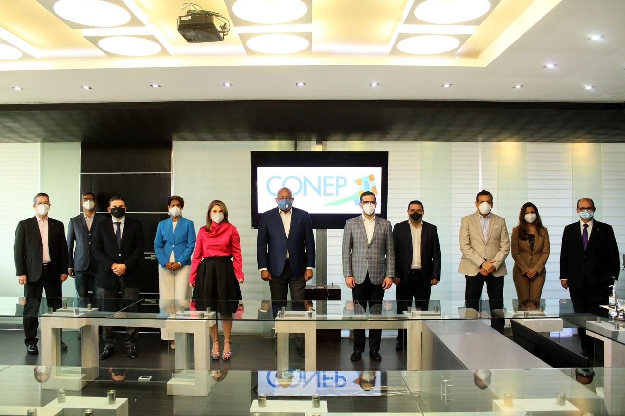 Cúpula empresarial se integra a cumbre convocada por Luis Abinader