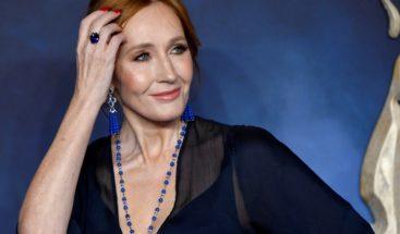 JK Rowling incendia Twitter con sus comentarios sobre las personas trans