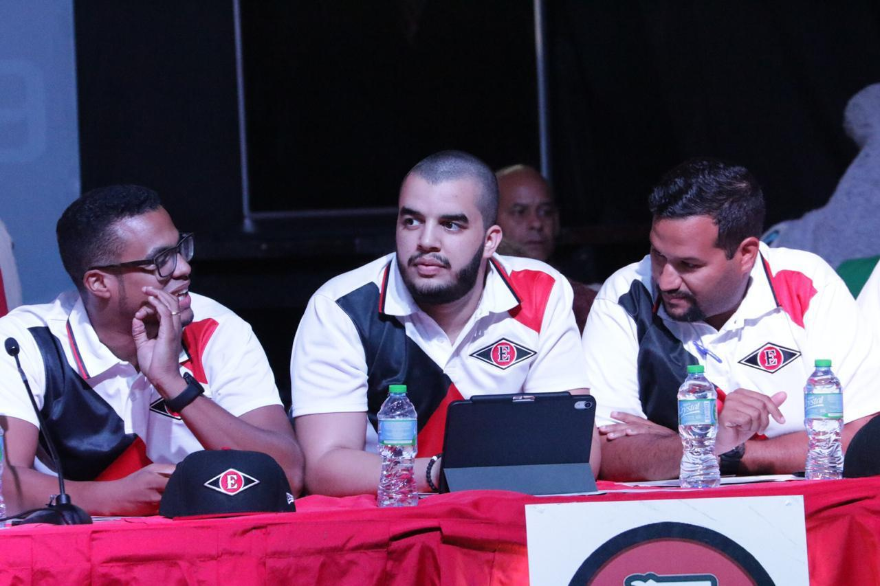 Jaylon Pimentel pasa a Operaciones de Béisbol de los Gigantes