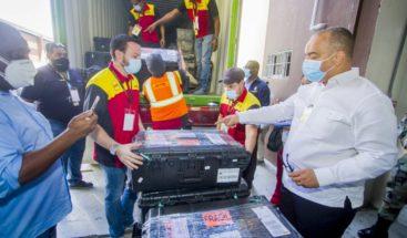 JCE inicia traslado de 1,077 valijas electorales a las circunscripciones del exterior