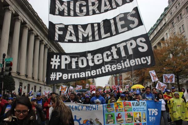 Una caravana recorre Washington para pedir residencia para migrantes con TPS