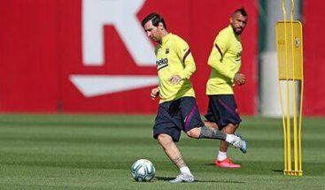Messi sigue sin entrenarse con el grupo por una contractura