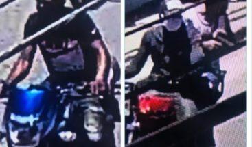 Cámara capta impactante momento en el que roban motocicleta a un joven