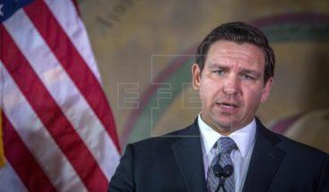 Gobernador de Florida firma ley para activar alertas de tiroteos en escuelas
