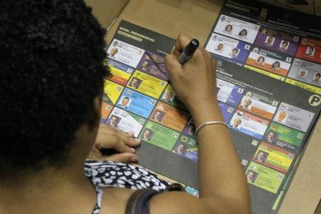 JCE responde a casos de dominicanos supuestamente excluidos de padrón del exterior