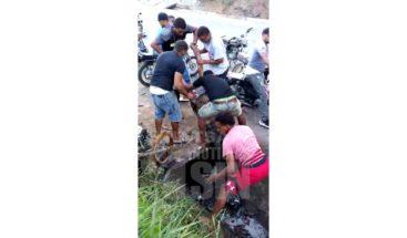Dos jóvenes pierden la vida en carrera clandestina de motores