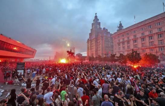 El Liverpool condena conducta de aficionados en festejos