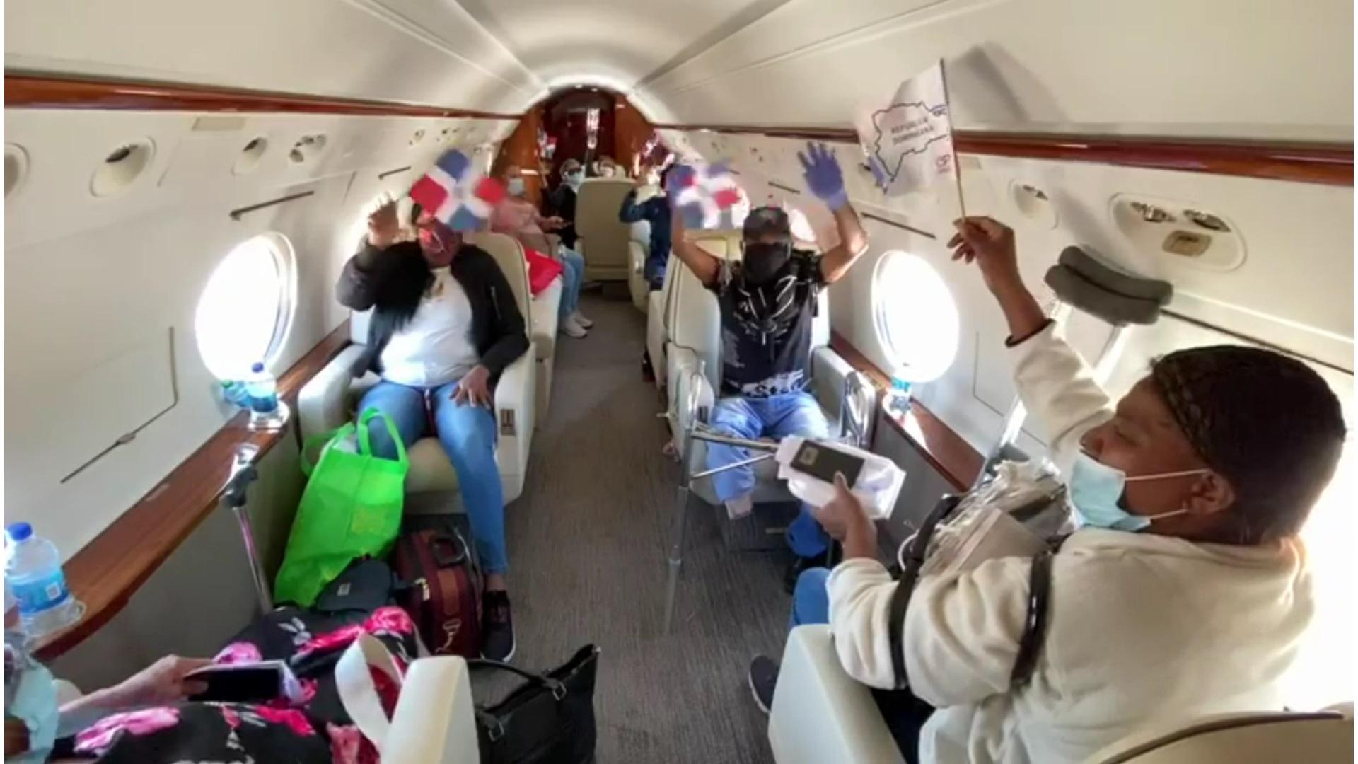 Gonzalo Castillo trae 11 dominicanos desde Panamá