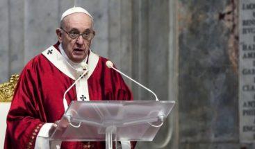 El papa pide rezar por los gobernantes en vez de insultarlos