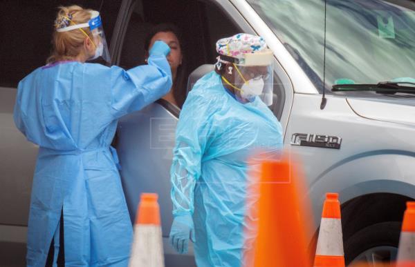 Florida supera de nuevo 3.000 casos diarios y busca cómo frenar el contagio