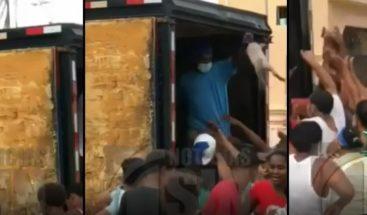 José Paliza aclara video donde se ve reparto de lechones es campaña sucia