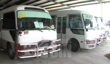 Bajo medidas sanitarias minibuses y autobuses operarán este miércoles