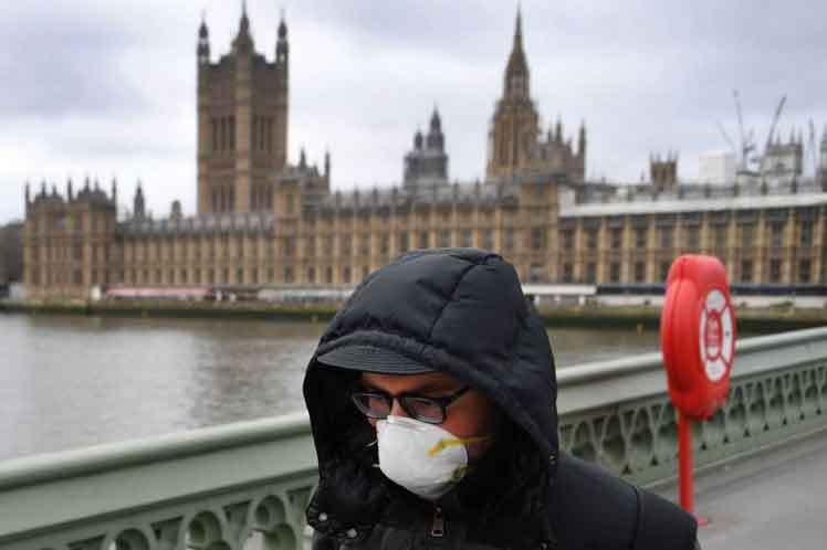 El Reino Unido supera los 39.000 muertos por COVID-19 al sumar 111 fallecidos