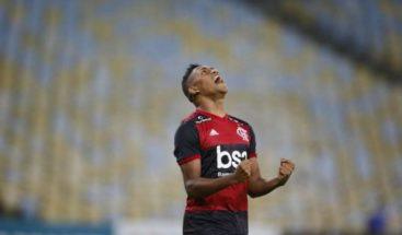 El fútbol se reanuda en Río, junto a hospital para el coronavirus