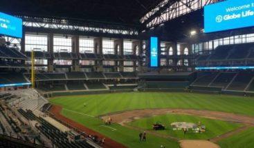 Los Rangers planean jugar con público en el estreno de su moderno estadio