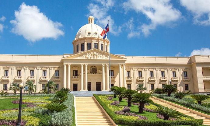 Presidente Medina designa viceministro de análisis económico del MEPyD