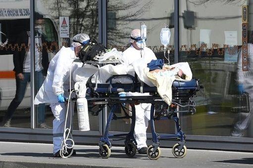 EE.UU. supera los 106,000 muertos y 1,83 millones de casos de COVID-19