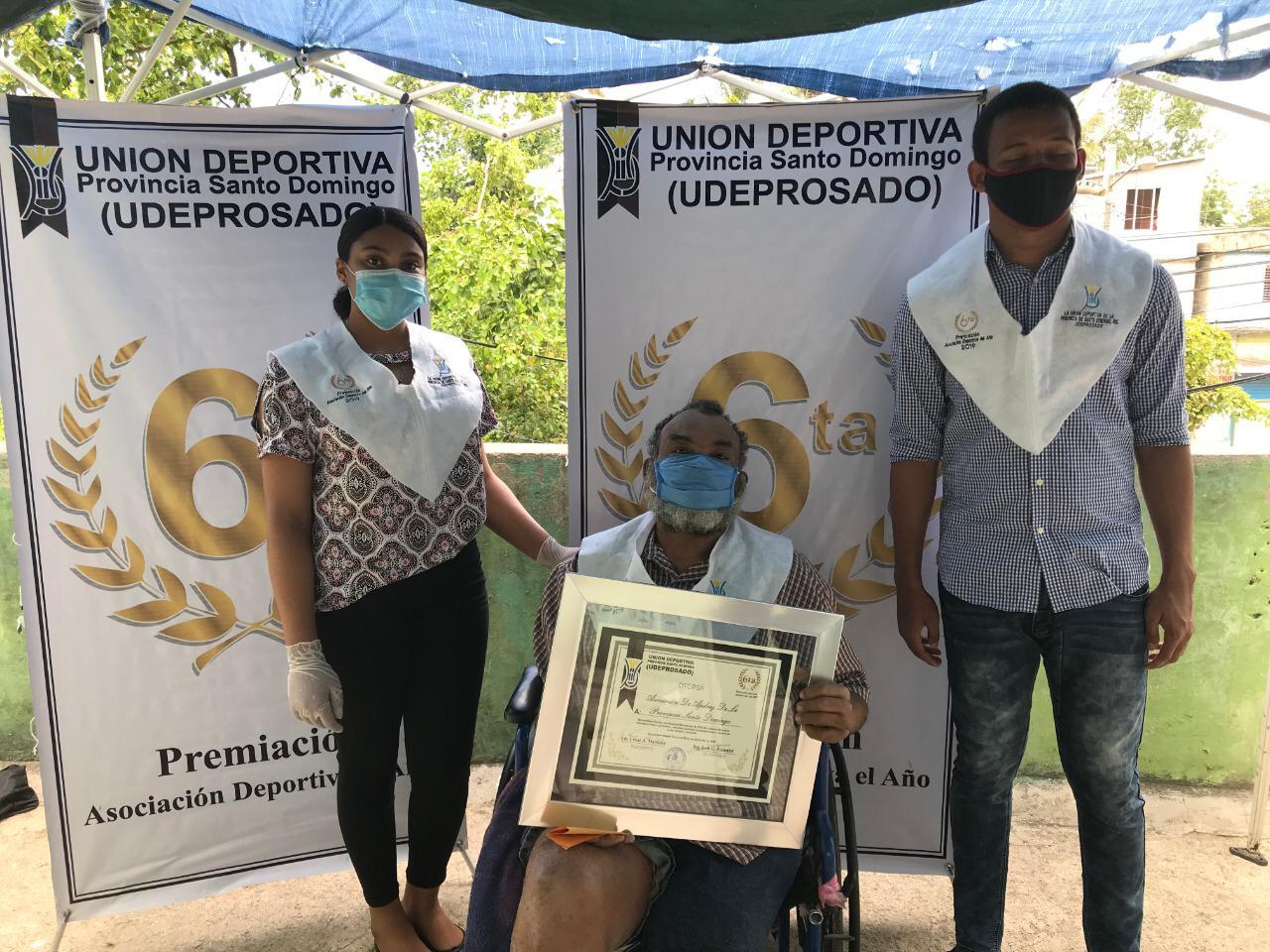 """Escogen a Ajedrez como la """"Asociación del Año"""" en la provincia Santo Domingo"""