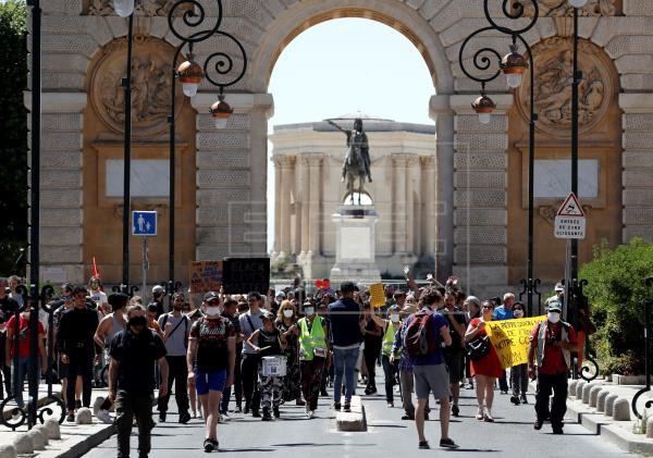 Manifestaciones en París y otras ciudades francesas pese a las prohibiciones