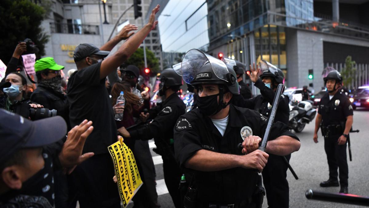 Australia investigará la agresión policial a reporteros australianos en EEUU