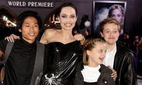 Angelina Jolie celebra su 45 cumpleaños con sus hijos y pide un deseo